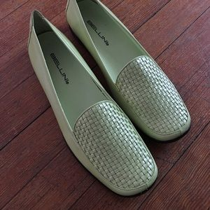 Light green leather shoe size 8.5
